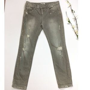 Free People Distressed Destroyed Skinny Jeans 26